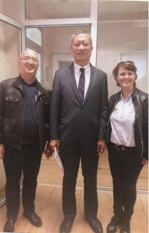 S Veleposlanikom Tajlanda u Budimpešti NJ.E. Jakkrit Srivali i suprug Roman Špoljar